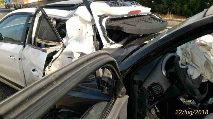 Doppio incidente sulla superstrada per Bari: due feriti, traffico deviato