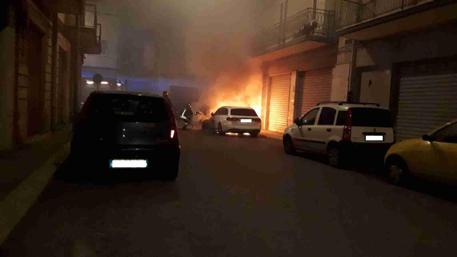 Incendio Auto Via Mons. Giuseppe Palma