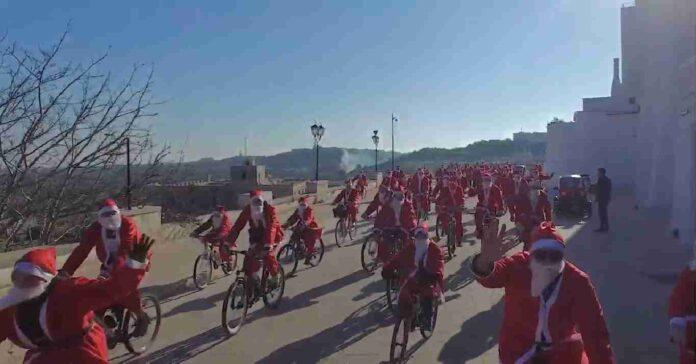 Babbo Natale In Bicicletta.Torna Anche Quest Anno Babbo Natale In Bicicletta Settima Edizione