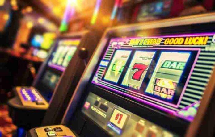 Presente e futuro delle slot machine fra terrestre, online e gioco mobile