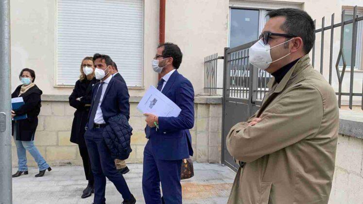Ospedale di Ostuni, sopralluogo di Fratelli d'Italia con l'on. Gemmato e il consigliere regionale Caroli