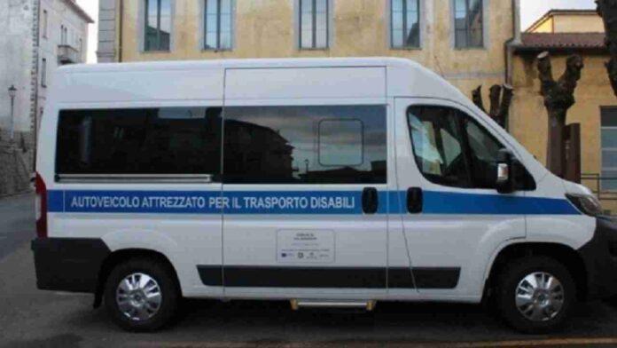 Pulmino trasporto disabili