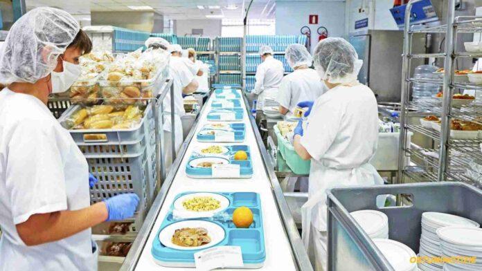 una cucina ospedaliera